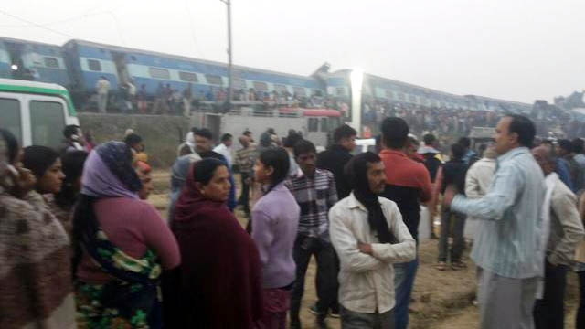 Patna-Indore express derailed near Kanpur