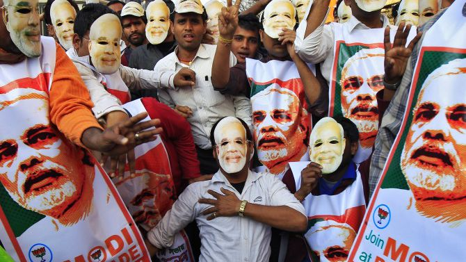 modi with youth